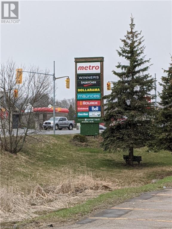 70 King William Street, Huntsville, Ontario  P1H 2A5 - Photo 1 - 40094273