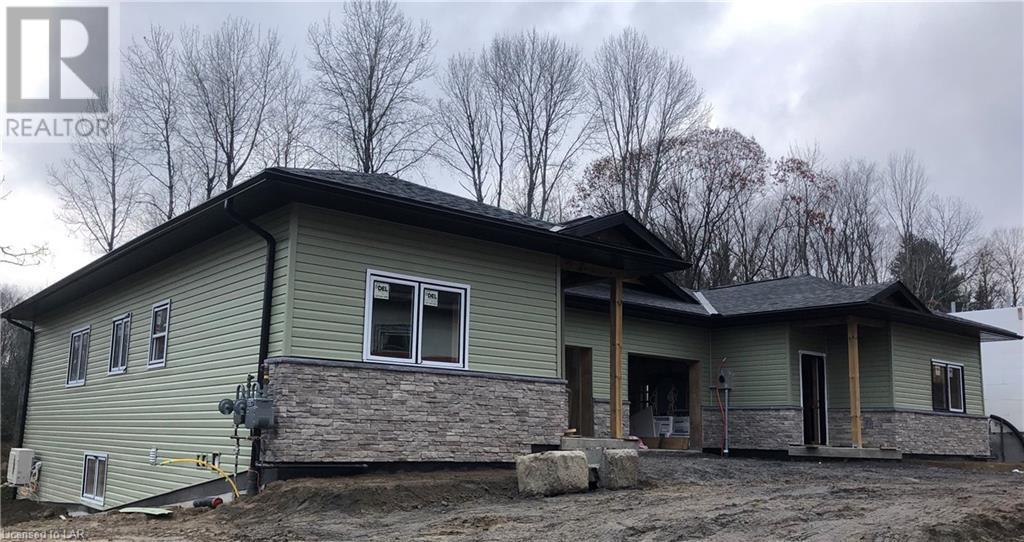 8 Ertler Lane, Huntsville, Ontario  P1H 1Y1 - Photo 1 - 40096852