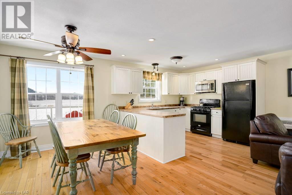 1052 Rat Bay  112 Meadowvale Fractional Cottage Week 2 Road, Lake Of Bays (Twp), Ontario  P1H 2J6 - Photo 13 - 40120152